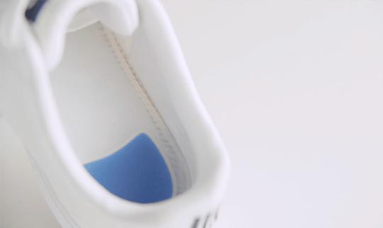 Palmilha de silicone ortoline palterm aplicada em tenis branco